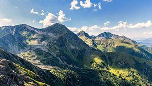 Licht en schaduw op de bergen