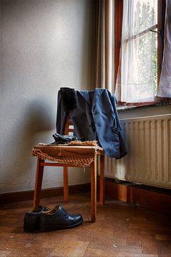 Urbex: Stillleben Stuhl von Carola Schellekens