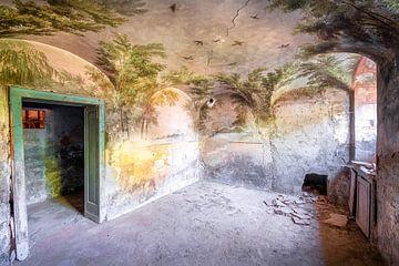 Tropische Malerei im verlassenen Keller. von Roman Robroek