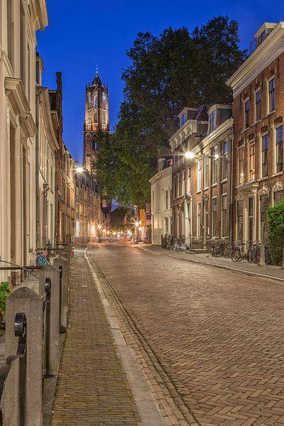 Domtoren in Utrecht gezien vanuit de Korte Nieuwstraat - 2 van Tux Photography