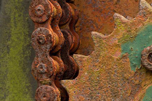 Verroeste tandwielen met kettingen van Paul Wendels