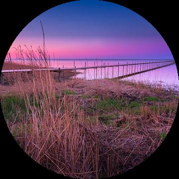 Steiger Øster Hurup strand (Denemarken) tijdens zonsondergang van Bart Sallé