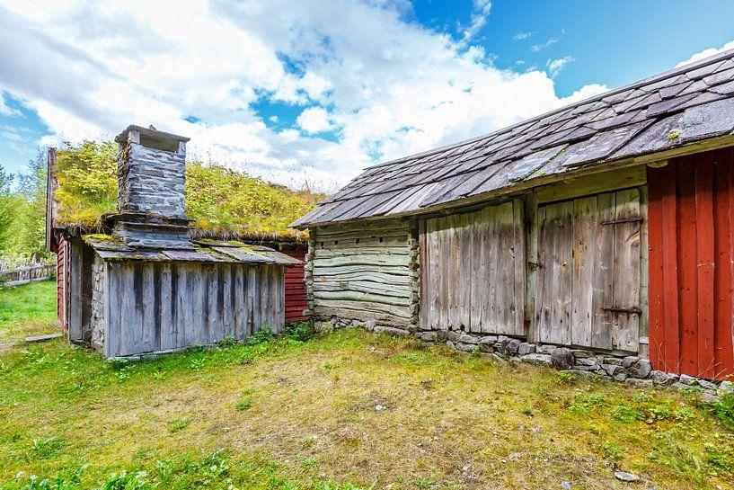 Oude schuur in Noorwegen van Pim Leijen
