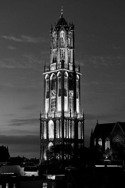 Verlichte Domtoren tijdens de start van de Tour de France 2015, ZWART-WIT van Donker Utrecht