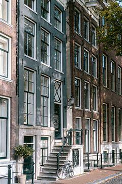 Blaues Grachtenhaus in Amsterdam von Manon Galama