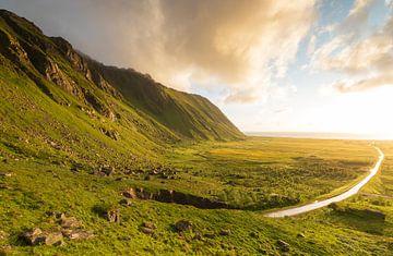 Zonsondergang Noorwegen van Marcel Kerdijk