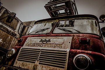 Old Firetruck van Julian Buijzen