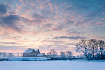 Koude winterochtend in Ezinge von Ron ter Burg