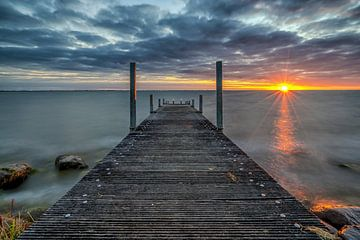 Zonsopkomst IJsselmeer van Mario Calma