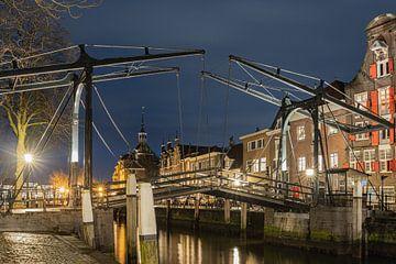 Damiatebrug in Dordrecht in de avond