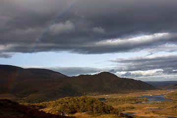 Blick über ein Tal in Irland von Hannon Queiroz