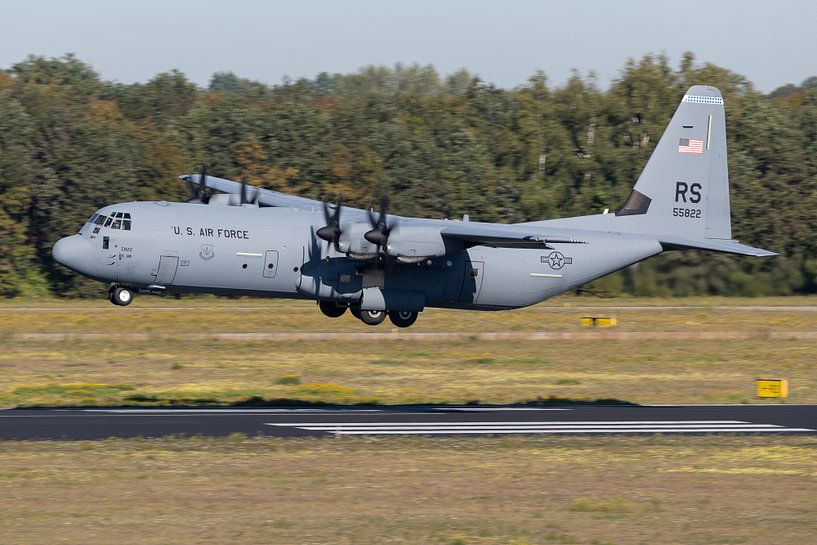 Amerikaanse Luchtmacht C-130J-30 Hercules van Dirk Jan de Ridder