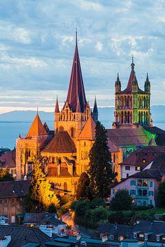 Kathedrale Notre-Dame in Lausanne am Abend von Werner Dieterich