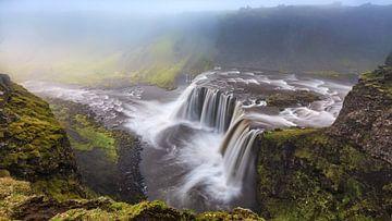 Misty Falls van