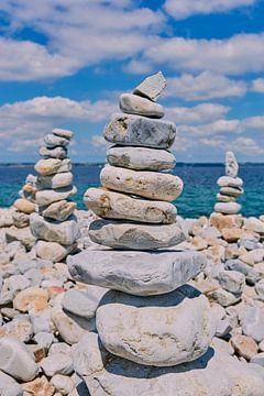 Stenen stapel in Camaret-sur-Mer van C. Nass