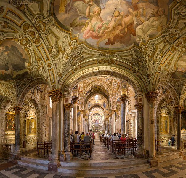 Interieur chiese Santa Maria dell'Ammiraglio, Palermo, Sicilia - Sicily, Italië van Rene van der Meer