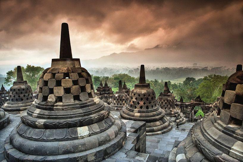 Borobudur, buddhistischer Tempel bei Yokyakarta, Indonesien von Frans Lemmens