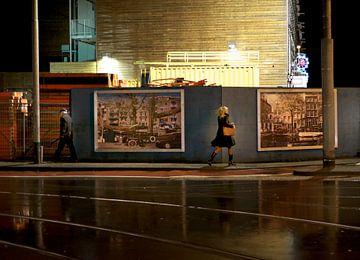 "Avond Straatbeeld Ferdinand Bolstraat Amsterdam ""Sidewalk"" van Ipo Reinhold"