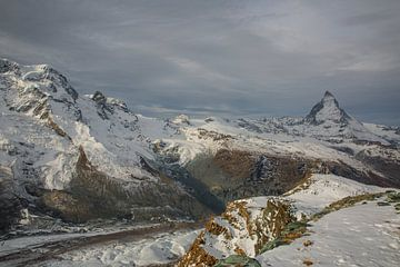 Matterhorn en Gorner gletsjer in Wallis Zwitserland van Martin Steiner