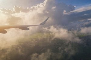 Landschap, uitzicht vliegtuig tijdens zonsopkomst