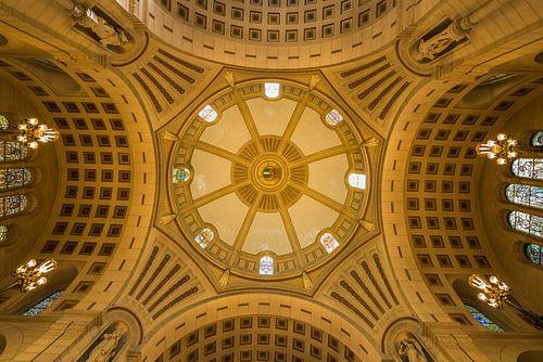 Het plafond in het stadhuis van Rotterdam