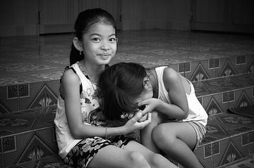 Schüchterne Mädchen in Vietman von Cees van Miert