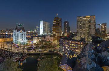 Het nachtelijke zicht op het Witte Huis en Kubuswoningen in Rotterdam van MS Fotografie | Marc van der Stelt