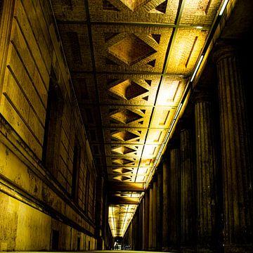 Kolonnadenhof - Zuidelijke colonnade 's nachts van David Krause | Berlin