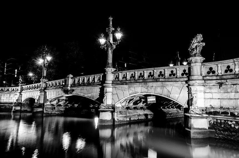 Regentessebrug in Rotterdam (zwart-wit) van Maurice Verschuur