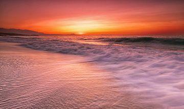 Coucher de soleil en mer sur Edward Sarkisian