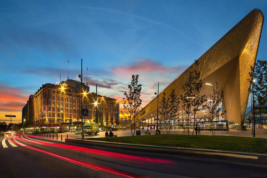 Centraal Station & Groot Handelsgebouw van Prachtig Rotterdam