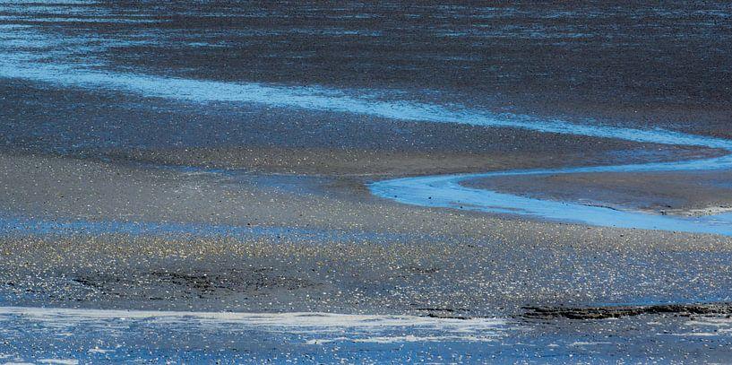 Blauw water van Greetje van Son