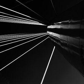 Zwart-wit beeld van de Prins Clausbrug van Wim Stolwerk