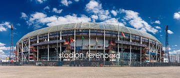 Stadion Feyenoord ofwel De Kuip. Panorama in kleur. van