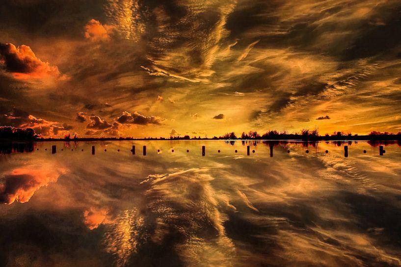 Sunset, Vianen,  The Netherlands van Maarten Kost