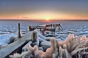Steiger IJsselmeer in winterse omstandigheden van