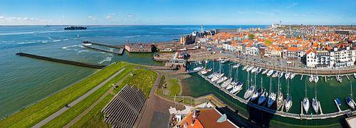 Panorama Vlissingen oude haven en centrum van Anton de Zeeuw