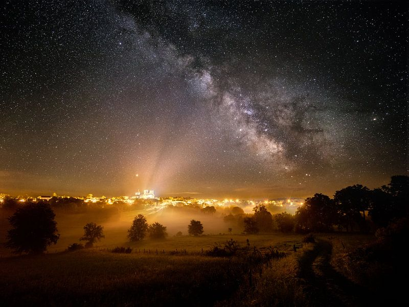 Melkweg boven La Chaise Dieu van Nando Harmsen