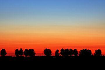 Zonsondergang Strijensas Zuid-Holland Nederland  van Watze D. de Haan