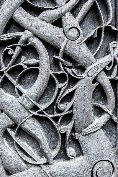 Houtsnijwerk van een Staafkerk in Noorwegen van Bas Meelker