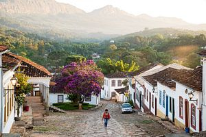 Wandelen in de gelovige bergen van Brazilie van Frank Alberti