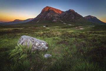 Schottland Glencoe Tal mit Alpenglühen von Jean Claude Castor