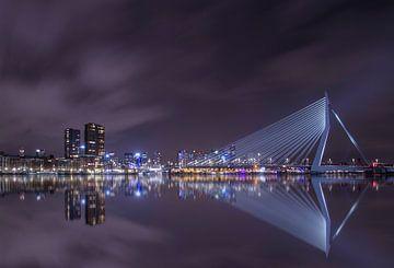 Pont Erasmus de nuit Rotterdam sur Alfred Benjamins