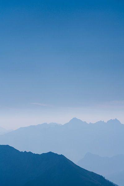 De blauwe bergen No.4 van Jesse Barendregt