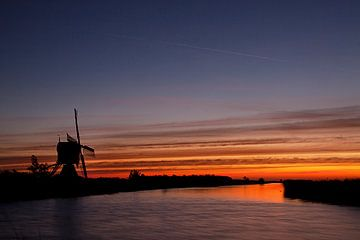 Striped sunrise sur Peter Halma