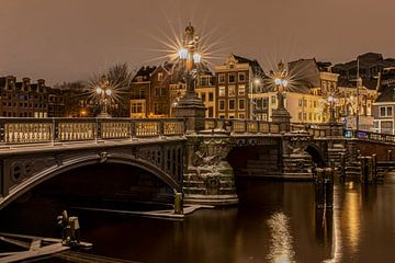 Amsterdam, de Blauwbrug van Bert Koppe
