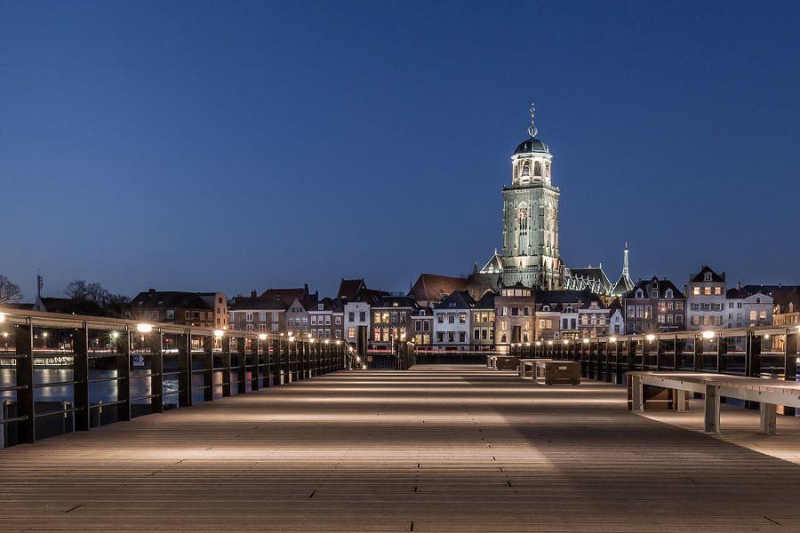 Deventer by night van Vincent Tollenaar