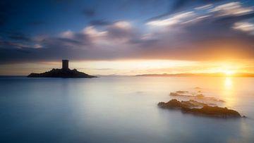 Sonnenuntergang über Cap Dramont und der Goldenen Insel von Yannick Lefevre