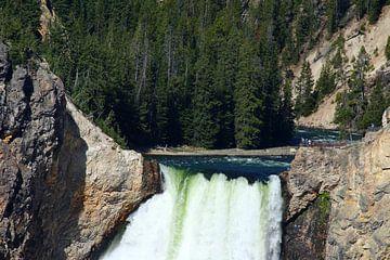 Am Rand  des Yellowstone Wasserfalls von Christiane Schulze