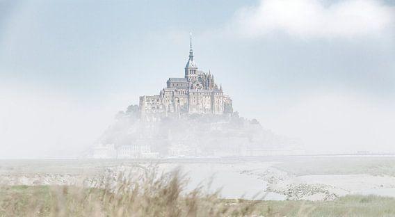 De Mont Saint-Michel Frankrijk kleur van Rob van der Teen